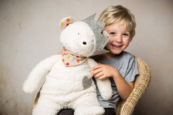 Spieltier Teddy mit Krone, Made in Germany